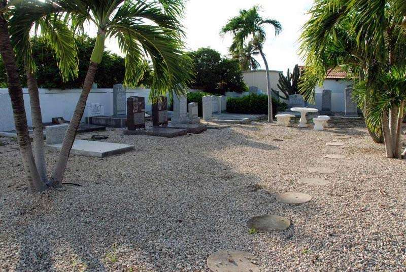 old_jewish_portuguese_cemetery-oranjestad_aruba-753_6.jpg