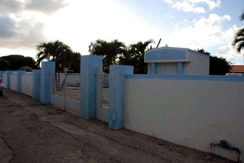 old_jewish_portuguese_cemetery-oranjestad_aruba-753_8.jpg