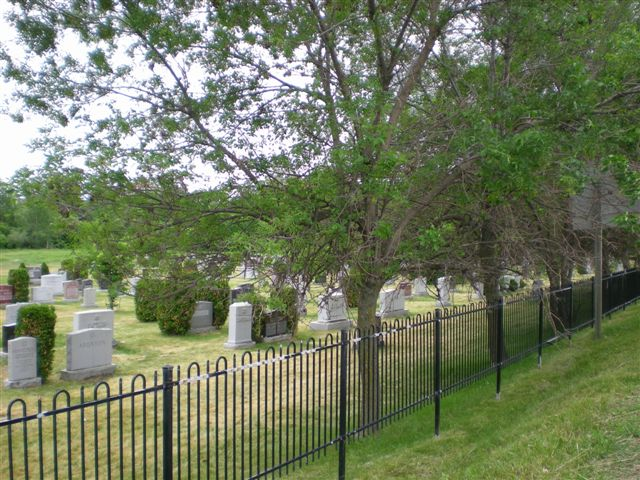 BANK STREET JEWISH CEMETERY, OTTAWA, ONTARIO, CANADA-THE OLDER OF THE 2 JEWISH CEMETERIES IN THE CITY (2).jpg