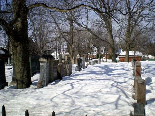 quebec city-beth israel cemetery-sillery-march2009 009 4.jpg