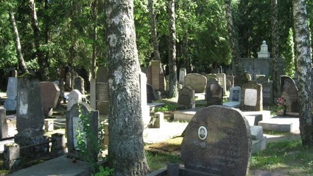vilnius-jewish cemetery-established in soviet time1.jpg
