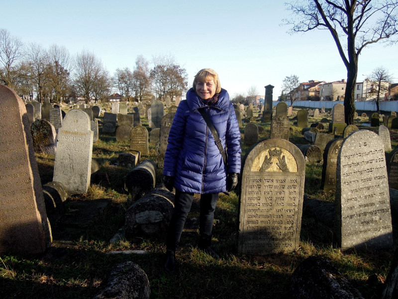 1-Lucy Lisowska - the moving force behind the 5-yr restoration of Bialystok Jewish Cemetery.jpg