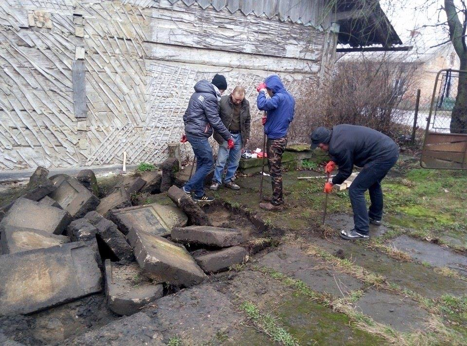 Dobromyl 2-Many people helped to dig up the gravestones, including local workers and the Jewish volunteer group from nearby Lviv..jpg