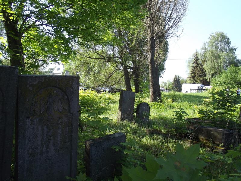 Tarnopol,Jewish-cemetery,5-2012-30.jpg