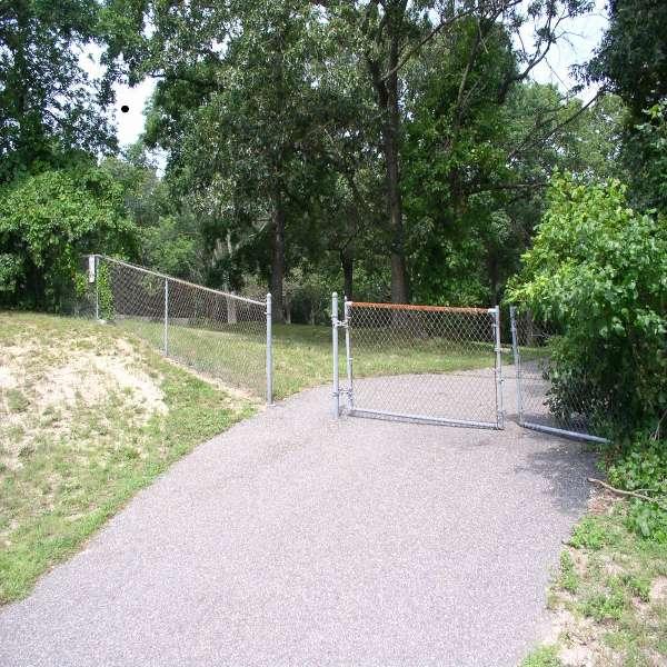 kingspark_gate.jpg